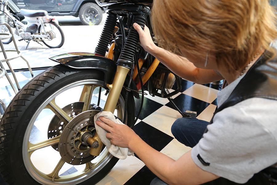 surluster|シュアラスター|ゼロフィニッシュ|ビッグママカフェ|横浜市|アメリカンダイナー|KAWASAKI|Z750スペクター|洗車|コーティング