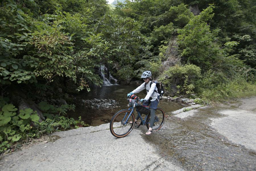 アウトドア|渓流釣り|マウンテンバイク|MTB|釣り|フライフィッシング|山ガール|釣りガール