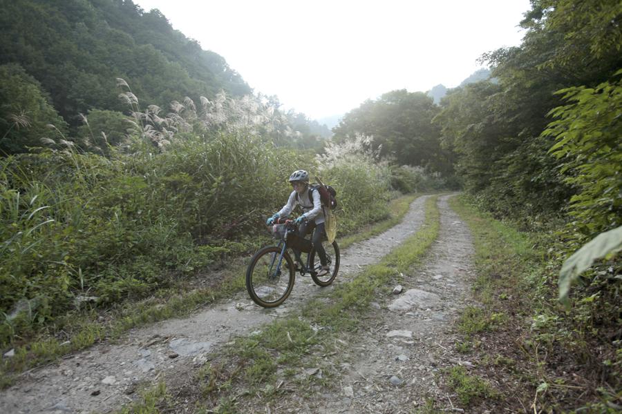 アウトドア|渓流釣り|マウンテンバイク|MTB|釣り|フライフィッシング|山ガール|釣りガール|林道