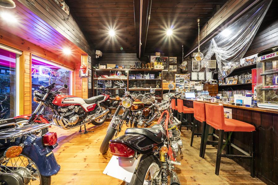 埼玉県八潮市|旧車|クラシックバイク|カスタムバイク|店内|ボビー|bobby